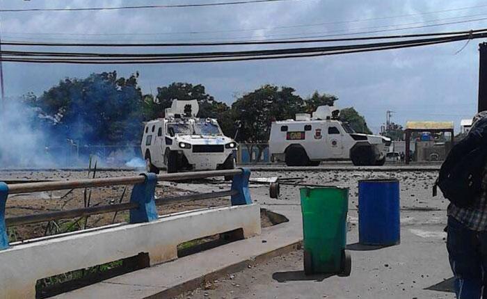 Al menos trece heridos dejó la represión en Coro