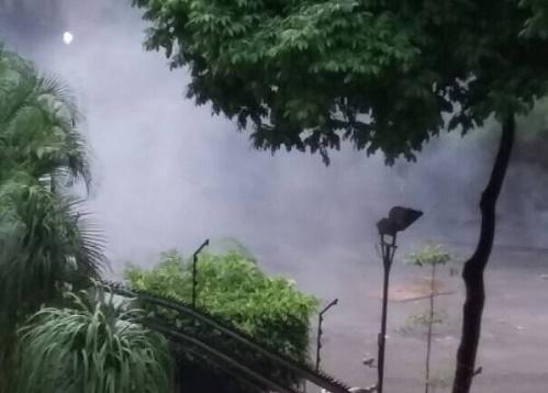 Con lacrimógenas atacaron a vecinos de La Urbina que se sumaron al trancazo