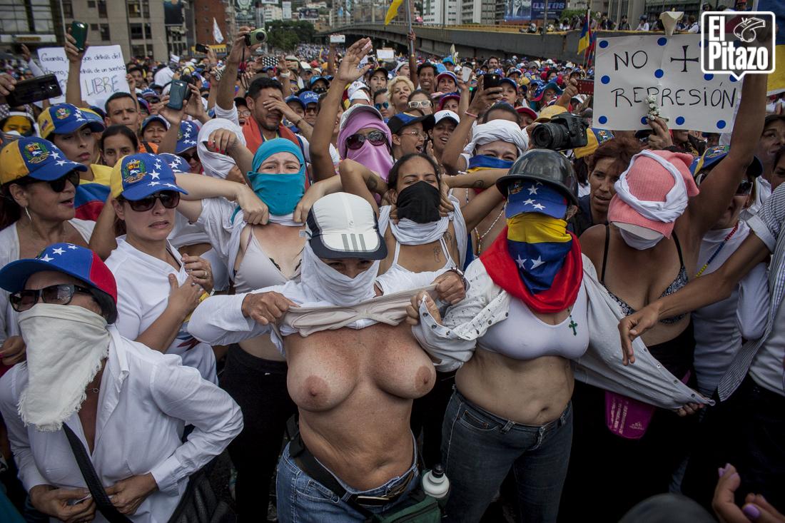 Protestas en la calle contra la industria porno - 2 3