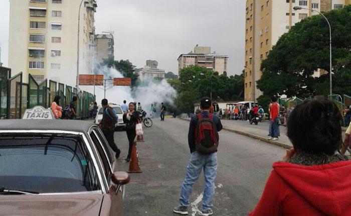 GNB reprimió a manifestantes en El Llanito y La Urbina