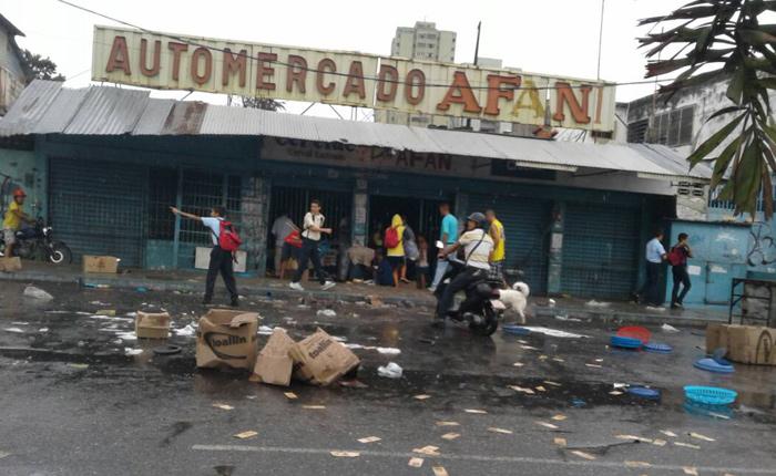 Reportan saqueos en Valencia y Naguanagua la noche de este #2May
