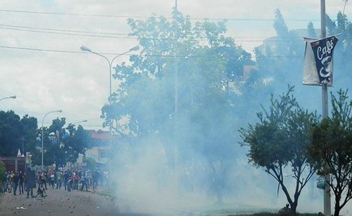 Al menos siete heridos por fuerte represión en Universidad de Oriente