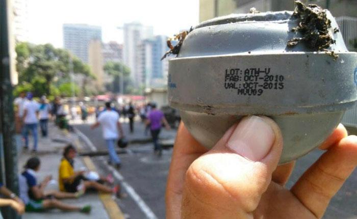 BombasLacrimógenas-.jpg
