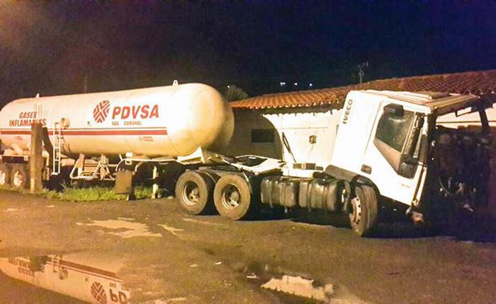 PDVSA dice que cisterna incautada con droga no les pertenece