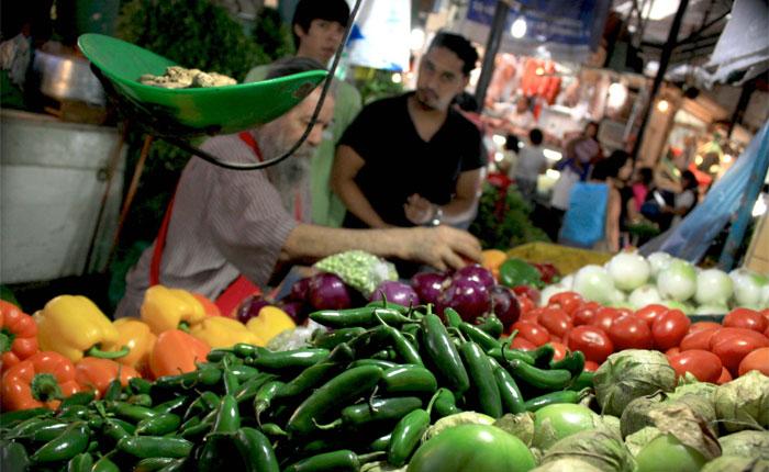 220 salarios mínimos se necesitaron para adquirir la Canasta Alimentaria Familiar de mayo