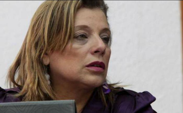 Ministerio Público emitió 2 órdenes de captura por corrupción contra exministra Eugenia Sader que el TSJ no acata