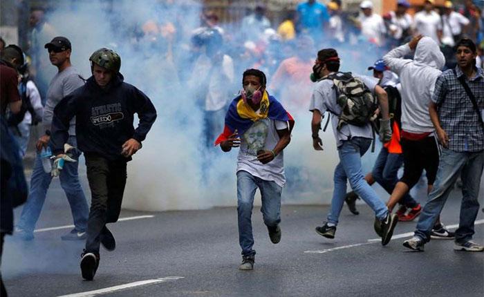 Editorial de La Nación ARG: Venezuela, al límite del estallido