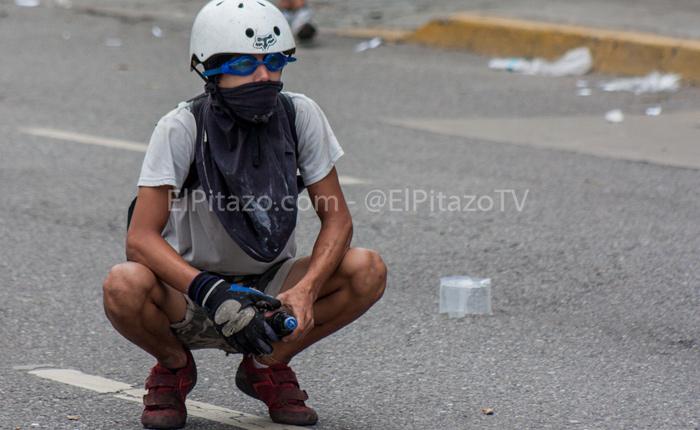 """Maduro pedirá al Papa que medie ante la oposición para que no """"utilicen"""" a niños en """"actos violentos"""""""