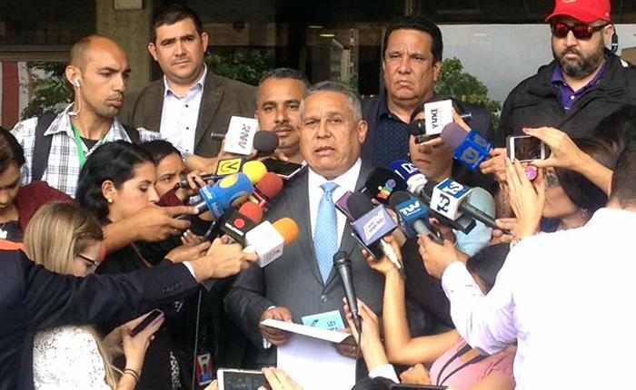 Pedro Carreño dice que PSUV evalúa revocatorio a diputados de la Asamblea Nacional