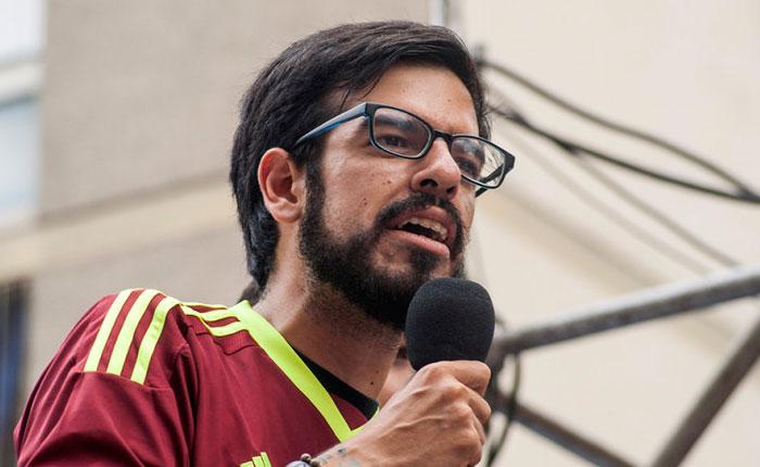 GNB agredió a los diputados Juan Requesens y Miguel Pizarro en la Fajardo