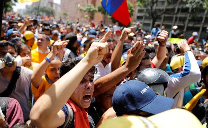 """Provea: derrota de la """"rebelión popular"""" le dio un """"nuevo respiro"""" a Maduro"""