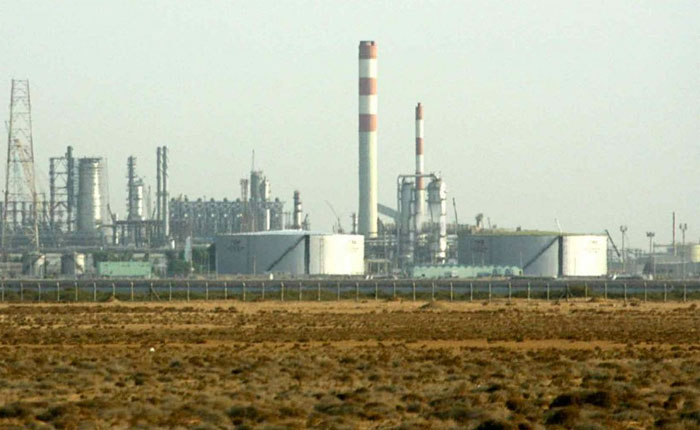 Sindicalista alerta que rusos, chinos e iraníes planean asumir reparación de refinerías de Paraguaná