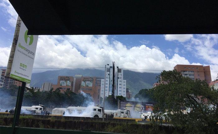 GNB y PNB reprimen marcha opositora en varios puntos de Caracas