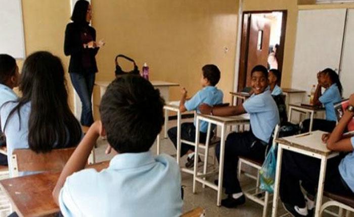 A los niños y adolescentes hay que hablarles claro con respecto a Venezuela