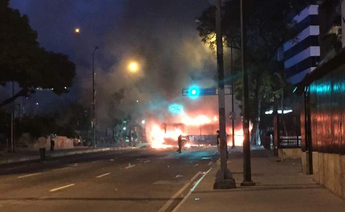 autobus-quemado1.jpg
