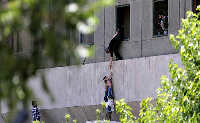 Doce personas muertas y 35 heridos en ataques simultáneos terroristas en Teherán