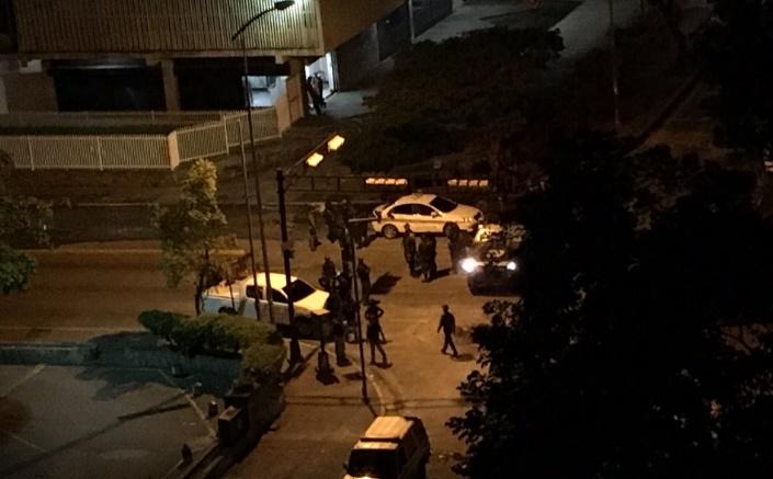 Reportan represión en La Urbina: disparan contra edificios