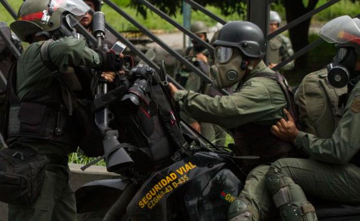 GNB sigue enfilando contra periodistas durante manifestaciones