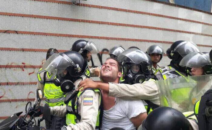 Tras casi dos meses de detención, liberan a Sergio Contreras