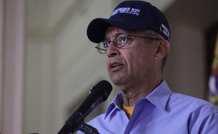 Ministro Motta Domínguez admitió que el país está en crisis eléctrica
