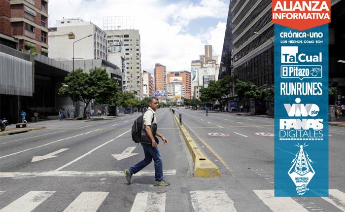 FOTOS   El paro cívico dejó las calles vacías y barricadas en Caracas