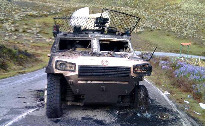 Pobladores del páramo queman tanqueta que se dirigía a Timotes, estado Mérida