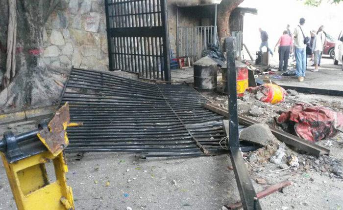 [Fotos] GNB reprimió a manifestantes en La Urbina #18Jul