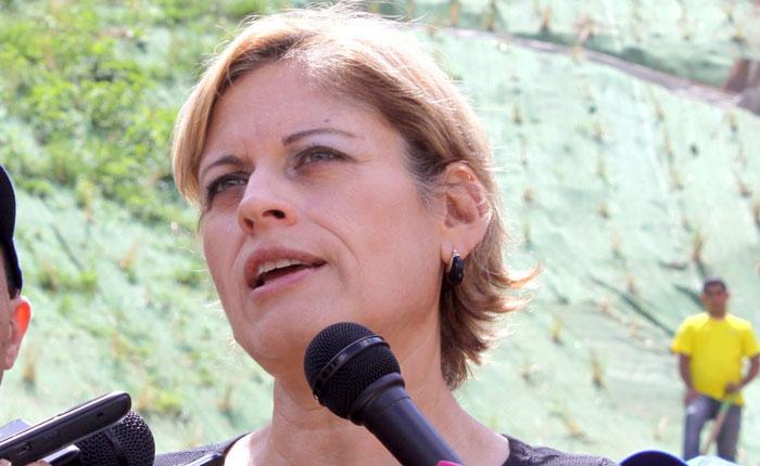 Diputada Adriana D' Elia asegura que no se doblegará por inhabilitación