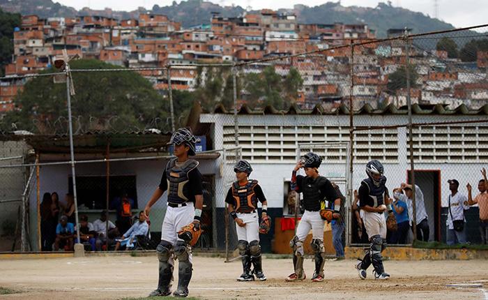 La cantera beisbolera de Venezuela se contrae en medio de la desnutrición infantil
