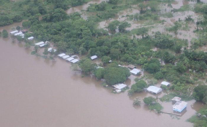Autoridades en alerta ante fuertes lluvias por paso de onda tropical