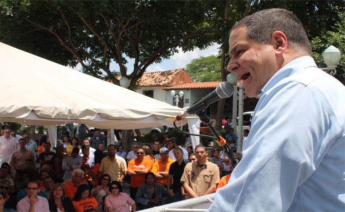 Luís Florido a Pedro Carreño: El pueblo es el único que inhabilita a candidatos