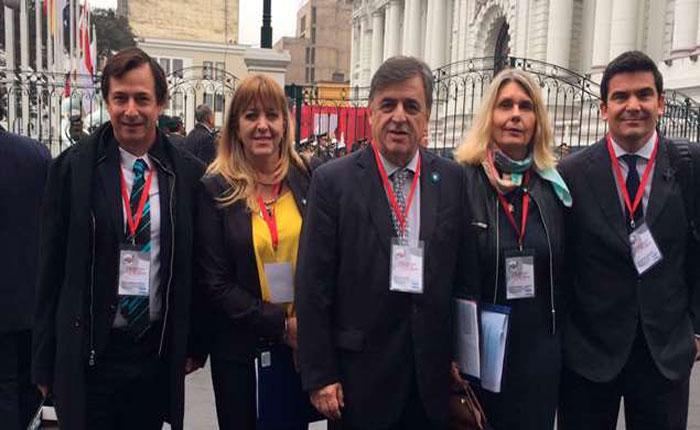 Parlamentarios se reunirán en Lima para condenar crisis de Venezuela