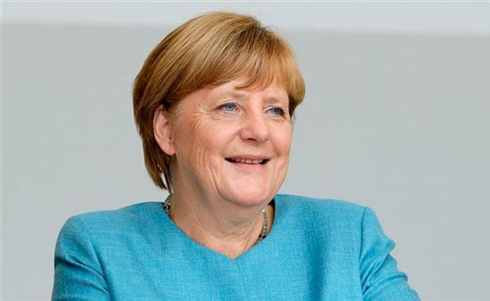 Merkel llama a Venezuela permitir salida de Lilian Tintori