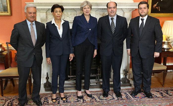 Theresa May manifestó su respaldo a la democracia venezolana en reunión con Borges