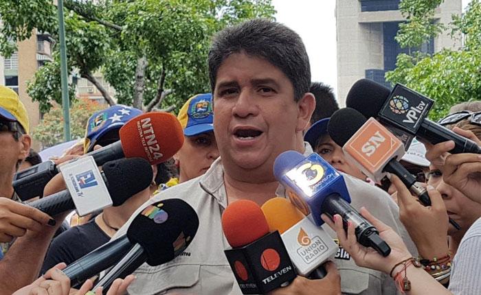 Correa.jpg