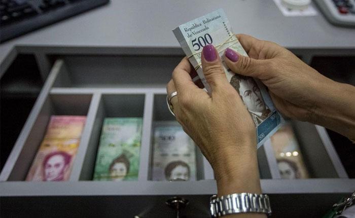 Señor, ¿Va a pagar en efectivo?, por Edward Rodriguez