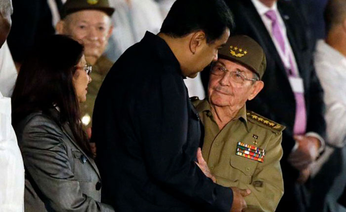 Maduro regresó a Caracas tras viajar este fin de semana a Cuba