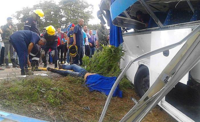 Ocho muertos y 27 heridos dejó accidente en la carretera Lara-Zulia
