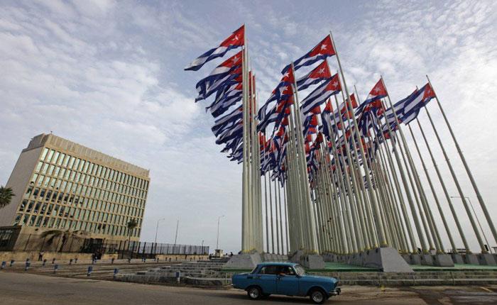 Embajada americana en Cuba desalojó a familiares de empleados y personal no esencial
