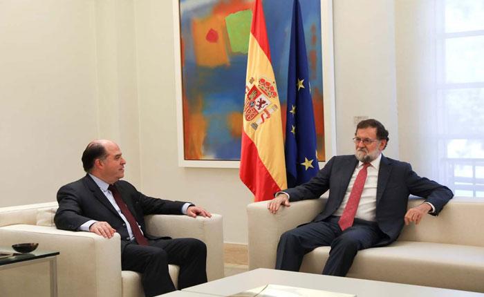Rajoy se comprometió a seguir luchando por restablecimiento de la democracia en Venezuela
