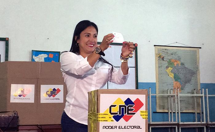 Oficialismo planea juramentar a otro gobernador en Táchira si Laidy Gómez no asiste a la ANC