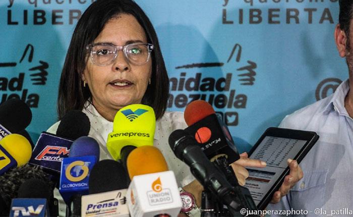 """Liliana Hernández llama a """"vencer obstáculos"""" e informarse sobre nuevos centros de votación"""