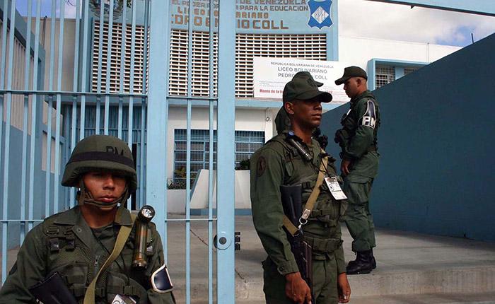 Reubicación de centros no afectará logística electoral, dice jefe de FANB