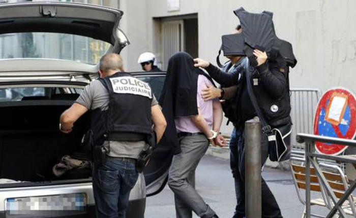 Imputados ocho ultraderechistas que preparaban atentados en Francia