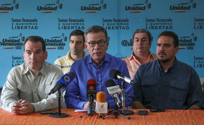 Jefe de campaña de la MUD, Gerardo Blyde, exige al CNE acatar ley que permite sustitución de candidatos