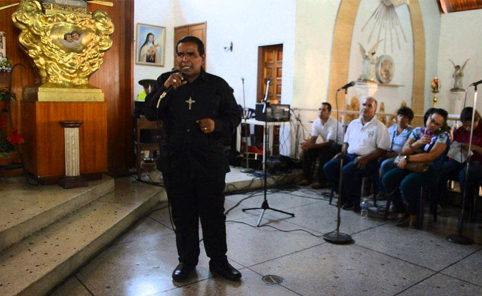 """Por falta de medicamentos falleció Adrián Guacarán, """"el niño que le cantó al Papa"""""""
