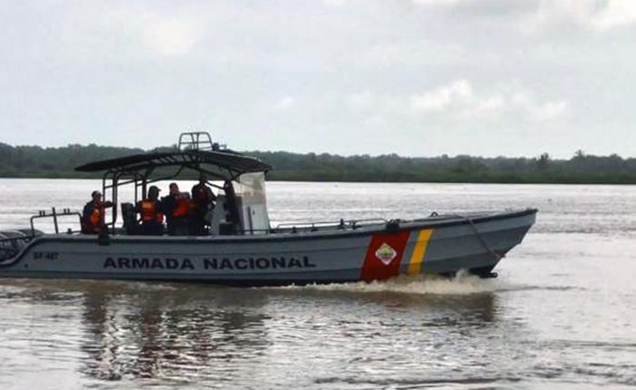 Rescataron a 8 venezolanos en Colombia tras naufragio de embarcación