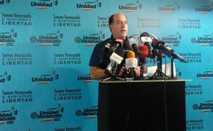 """Julio Borges: """"Aquí no se ha firmado nada"""""""