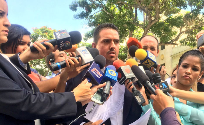 Stalin González: Solo la AN puede aprobar la reestructuración de la deuda
