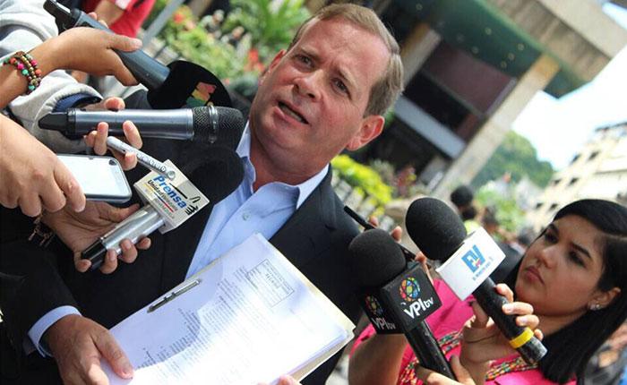 Guanipa consignó denuncias del proceso electoral del Zulia ante el CNE